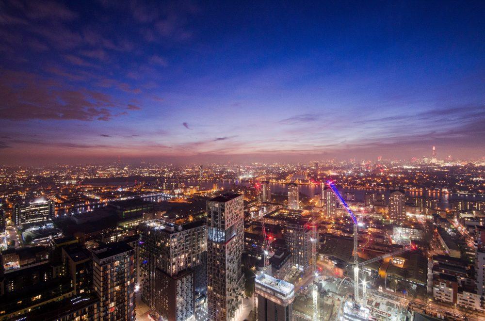 London Skyline, pan peninsula view